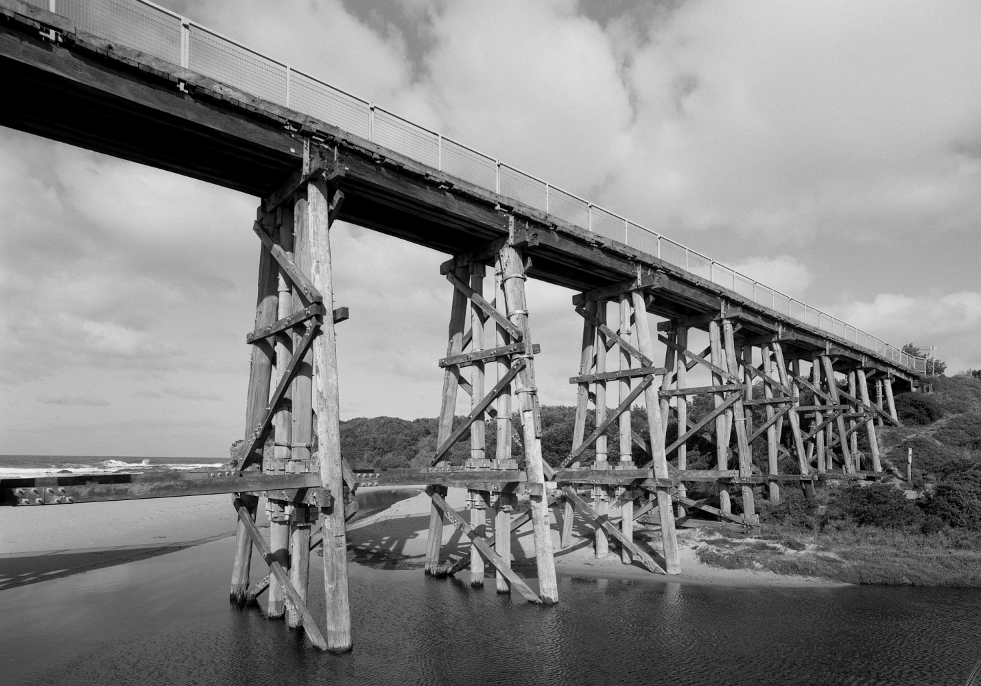 4x5_FP4_Fujinon_65mm_Centre_Filter_Shen_Hao_Kilcunda_Bridge_005_Web.jpg