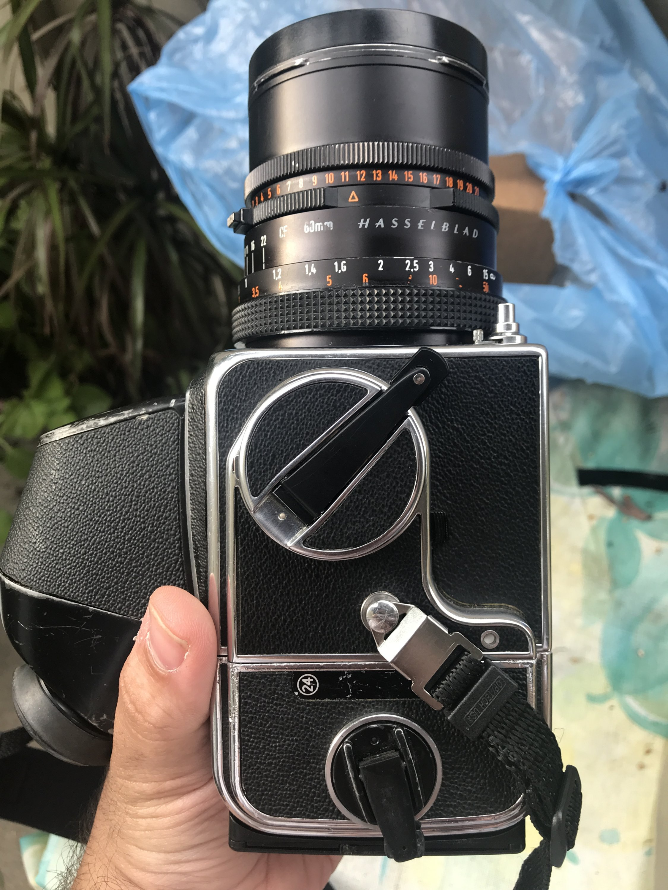 Ft: hasselblad 500C + 60mm CF + 120mm CF + 3 backs + 2 VF for MF