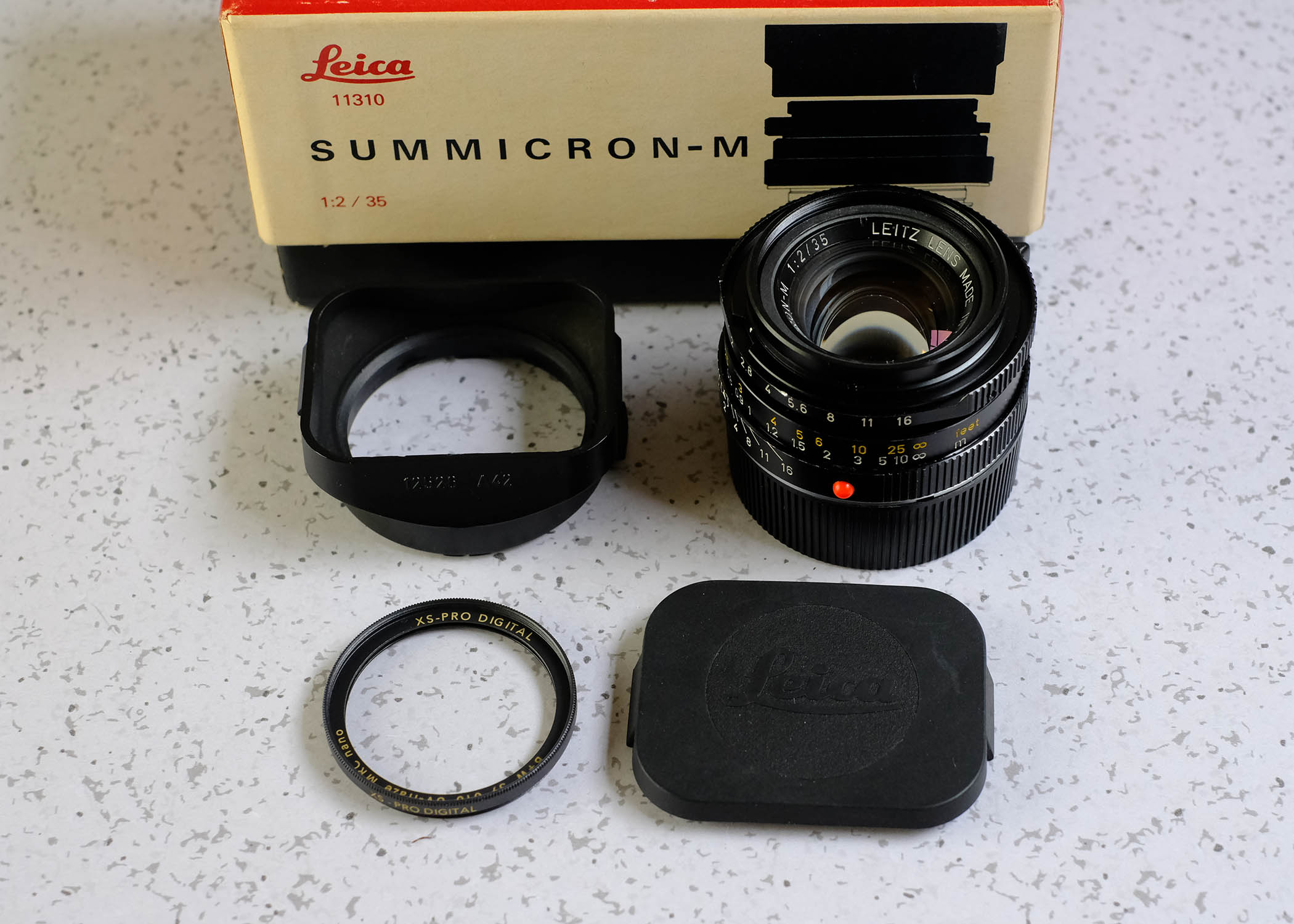 SOLD: Leica 35mm Summicron-M v4 Excellent
