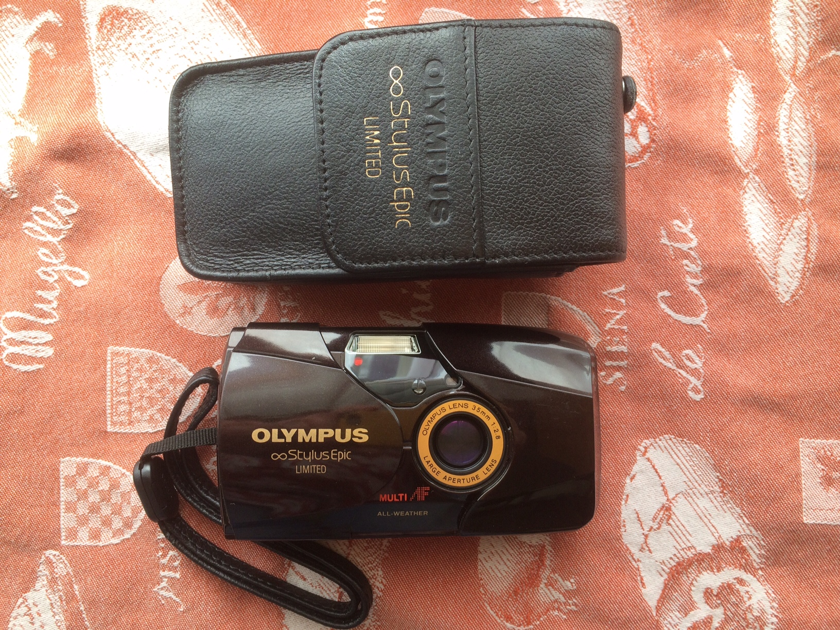 1f3c1a5cd0e This is the classic Olympus Stylus Epic (MJU-II) in the desireable Limited  edition with a leather case and Panorama setting. It is a quality point and  shoot ...