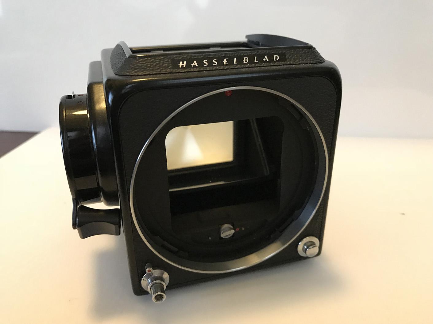 Hasselblad 500 C/M 80mm lens 120 back PM 90 Prism | Photrio com