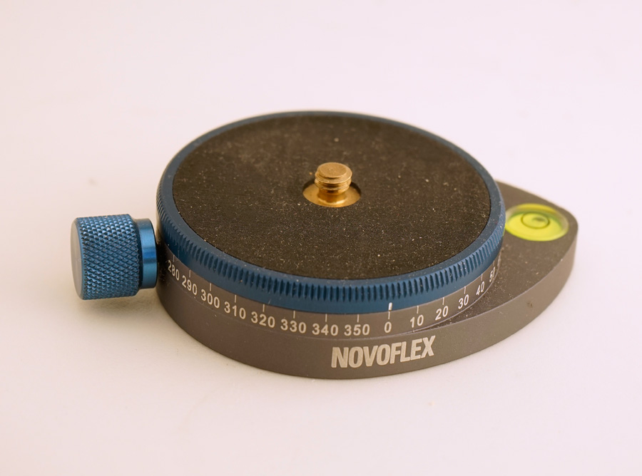 Novoflex Pan head.jpg
